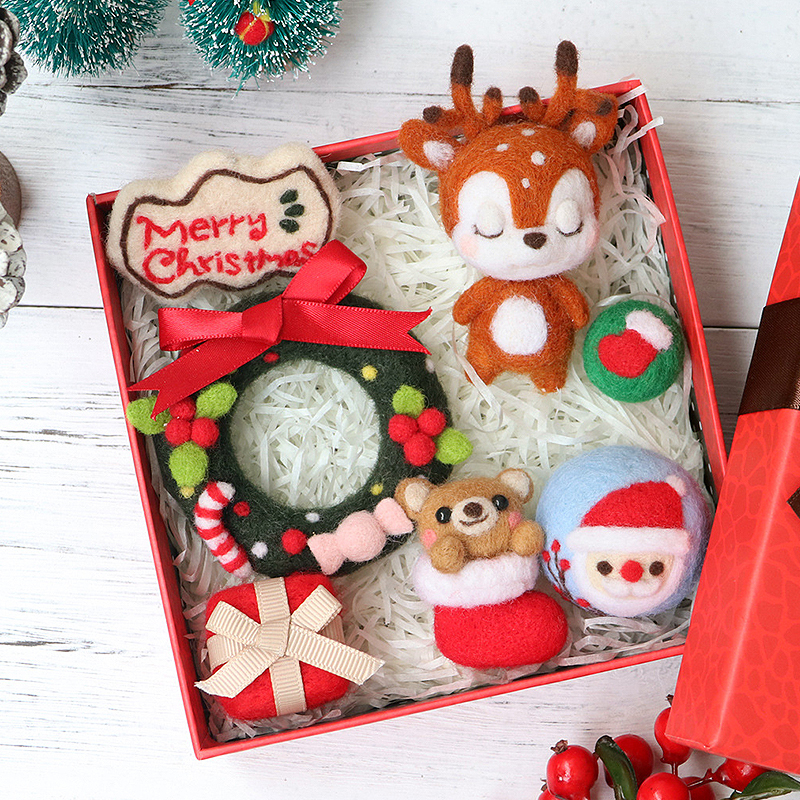 DIY Felt Making Kit Christmas Santa Claus Wool Needle Felt Starter Kit Decor