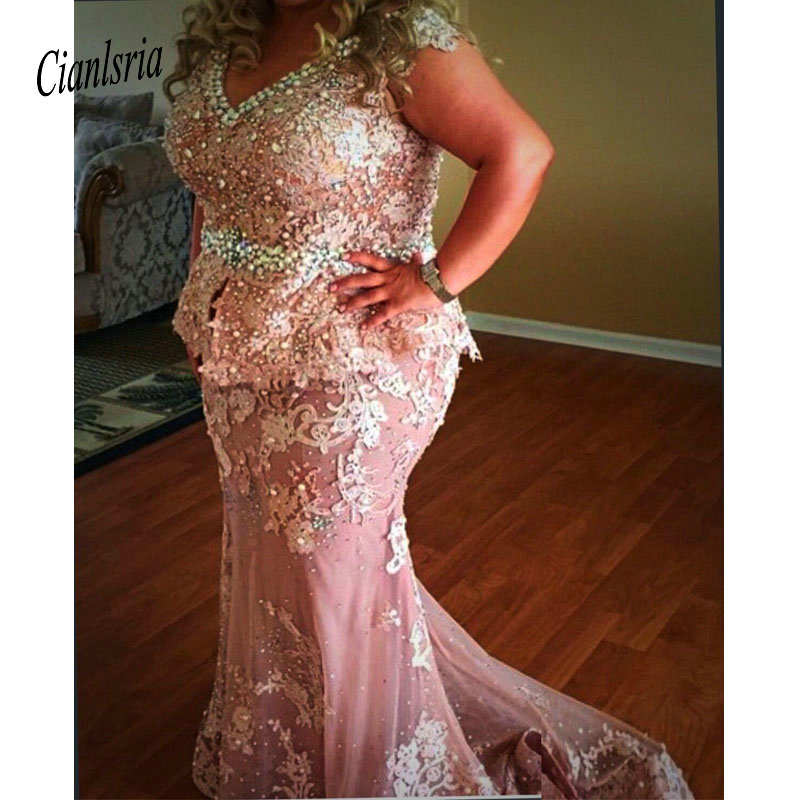 Grande taille mère robes col en V LaceAppliques perles Cap manches grande taille robes de bal robe de soirée mère de mariée robe