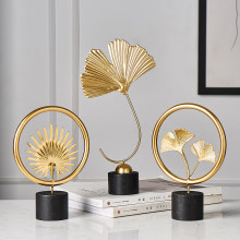 Folha de ouro acessórios decoração para casa moderna sala estar ornamentos flor estatueta metal em miniatura de madeira escritório decoração