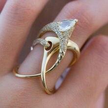 Modulo di lusso irregolare magico anello da strega accessori Super Cool Gadget torsione dorata avvolgimento gioielli da donna anelli di personalità