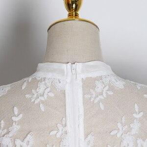 Image 5 - TWOTWINSTYLE hafty koronki damskie bluzki łuk kołnierz latarnia z długim rękawem perspektywy koszule kobiet 2020 modna odzież fala