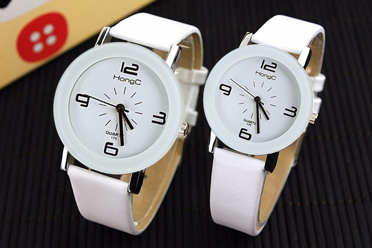 Different Size Couple's Watches Leather Band Fashion Women Men Watch Korea Style Couple Wrist Watch Parejas Lover Clock Gift