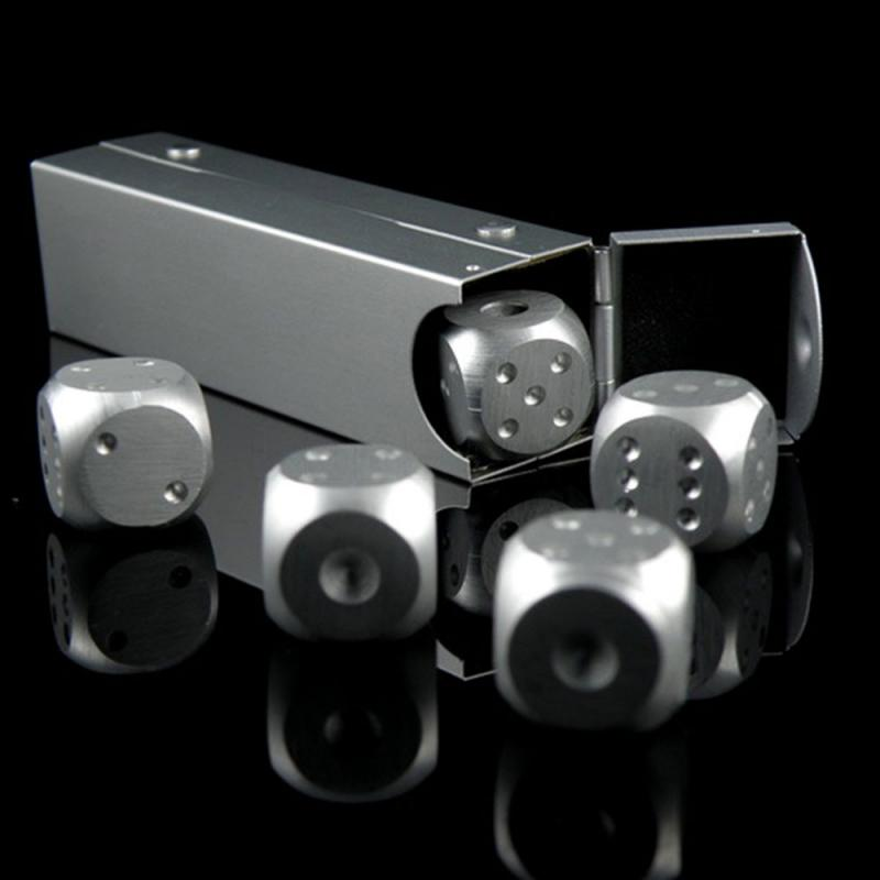5 Pcs Aluminium Alloy Poker Silver Colour Solid Dominoes Metal Game Dice Portable 6 Sided Dice Poker Party Entertainment Tools