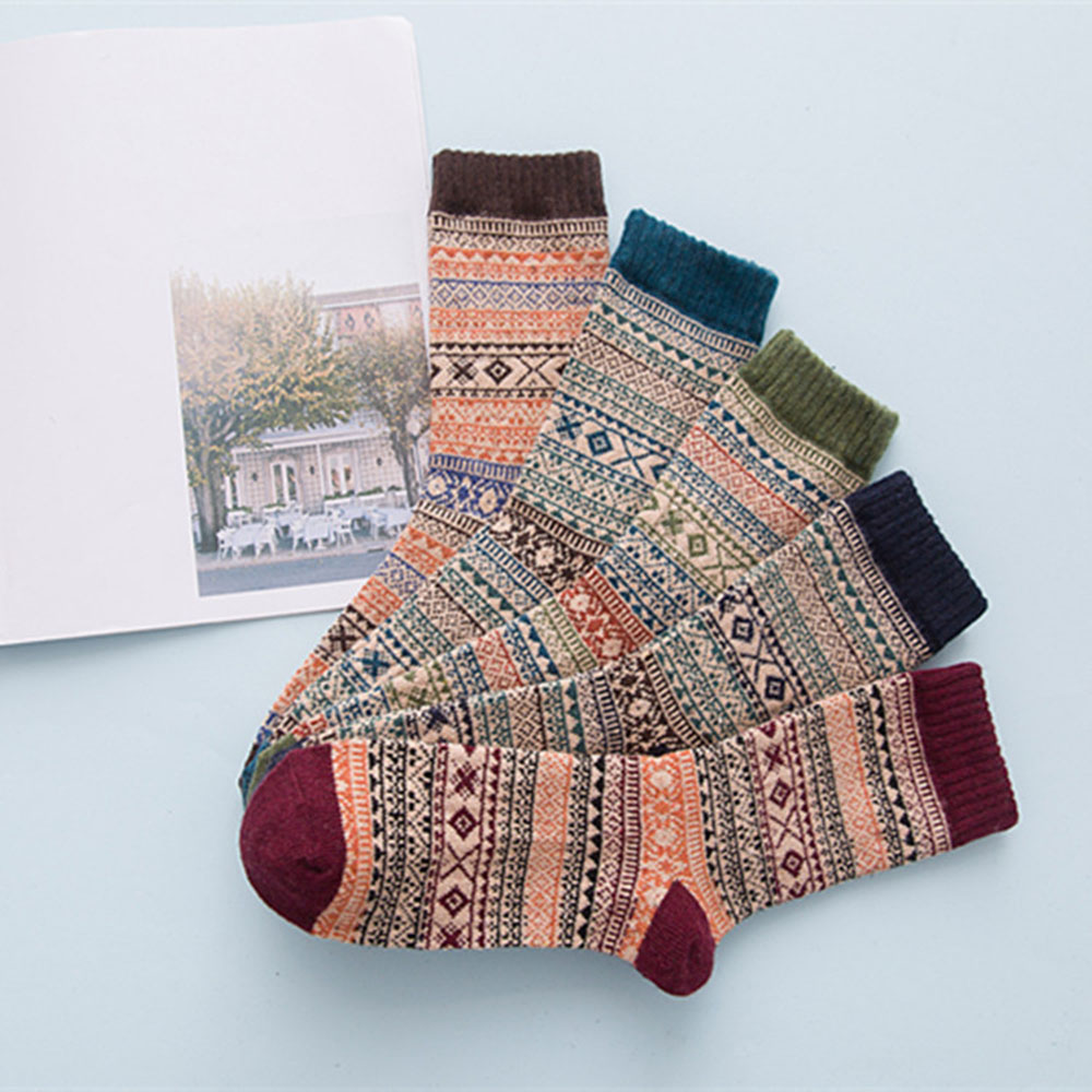1 Pair Comfortable Striped Vintage Soft Casual Thermal Winter Socks Floor Wear Extra Thick Wool Leg Warmer for Men and Women