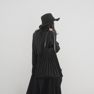 Image 4 - [EAM] Frauen Neue Schwarz Leinwand Gefaltete Split Große Größe Persönlichkeit Zubehör Mode Flut Alle spiel Frühjahr Herbst 2020 19A a645