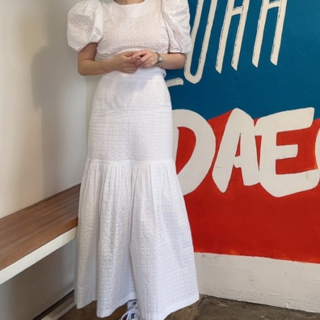 [EWQ] Pleated Ruffles High Elastic Waist Half-body Skirt Women Casual Tide New Summer 2021 Puff Sleeve Blouse White 2-piece Set 4