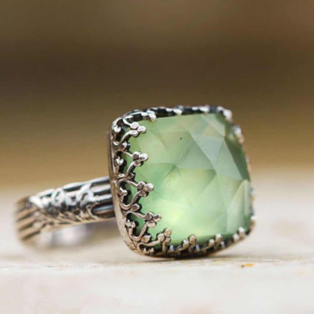 Antique femmes anneau Vintage Boho princesse coupe cristal naturel vert pierre de lune anneaux pour femme bijoux Punk