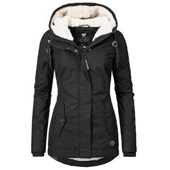 Dámska zateplená čierna bunda s kapucňou