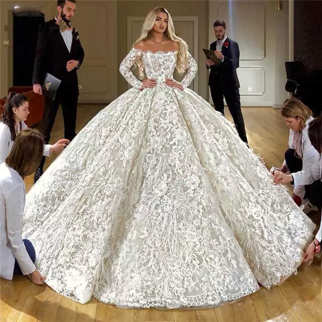 Wedding Dresses 2020 Puffly Full White Lace Appliqued Sexy Long Sleeve Luxury Bridal Gowns Plus Size