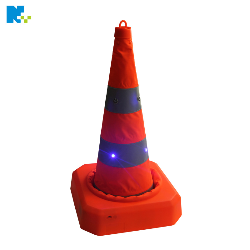 70 Cmpe Plastic Hanging Ring Cone Reflective Cone Retractable Ice Cream Cone Traffic Facilities Dongguan, Guangdong Province Man