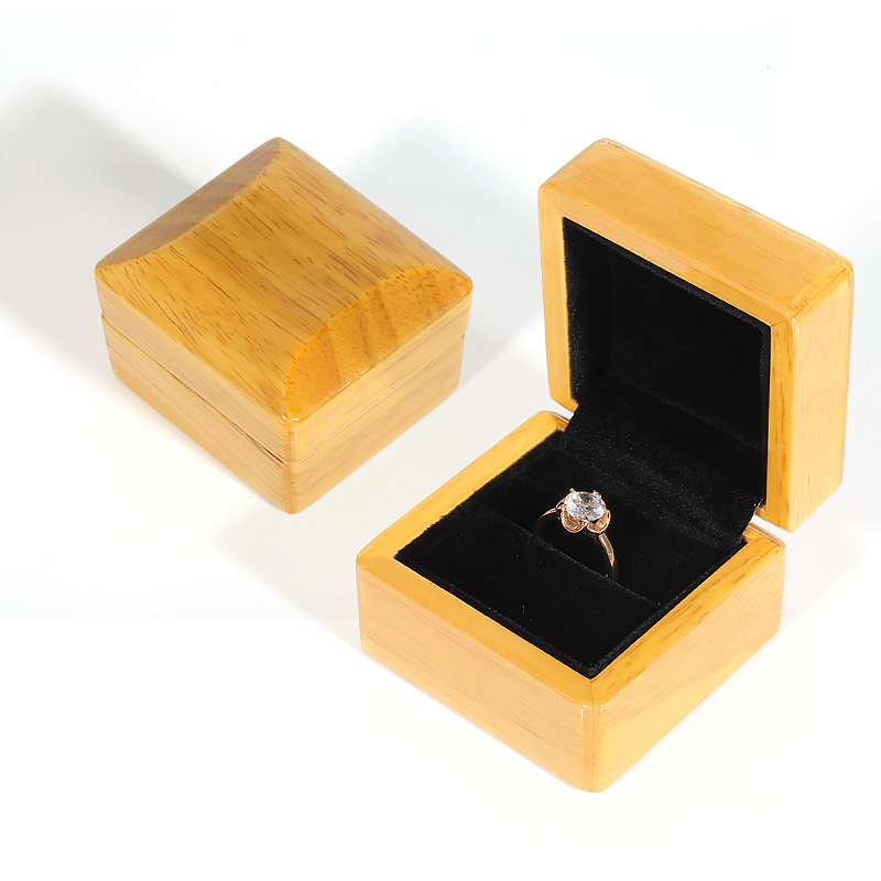 Luxury Nice Quality Wooden Lady Marriage Ring Box Jewelry Display Storage Small Case