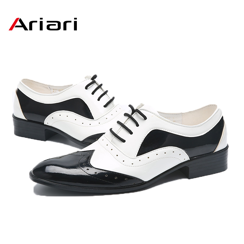 New Fashion Men's Trend Shoes Pointed Toe Casual Flats Men Wedding Brogue Shoes Male Japanned Leather Formal Shoes Black White