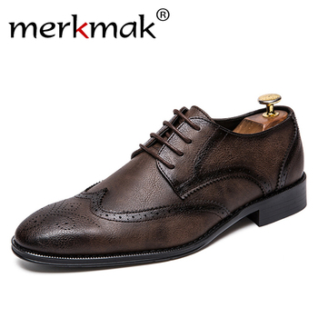цена Merkmak 2020 Retro Brogue Men Dress Shoes Formal Wedding Casual Genuine Leather Shoes Business Office Man Flats Oxfords For Male онлайн в 2017 году