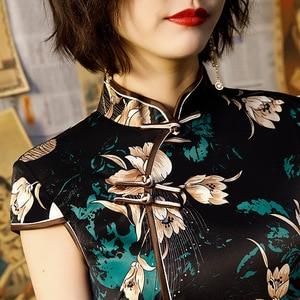 Image 4 - Moden Preto Vintage Vestidos de Mulher Vestido Cheongsam Chinês Tradicional Clássico Fenda Oblíqua Traje de Festa Vestido de Verão