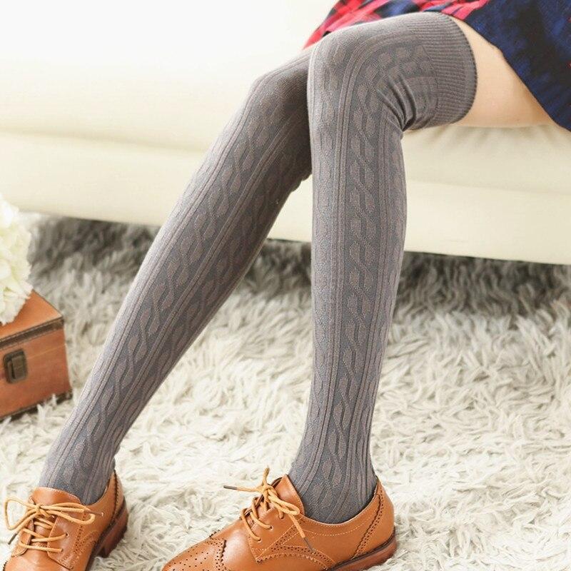 Um par longo joelho meias de algodão feminino mais quente sobre o joelho japão estilo moda casual coxa alta meia inverno macio tricô meias