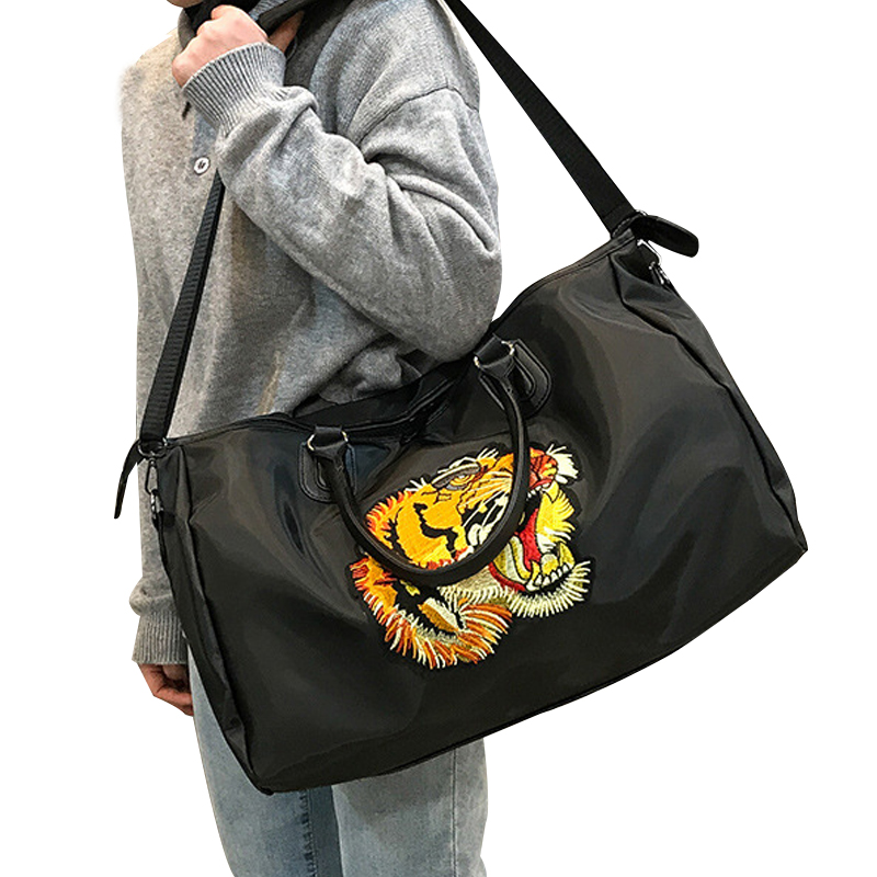Women Travel Bag Large Capacity Luggage Bags Waterproof Nylon Sports Bag Travel Duffel Embroidered Tiger Pattern Weekend Pack