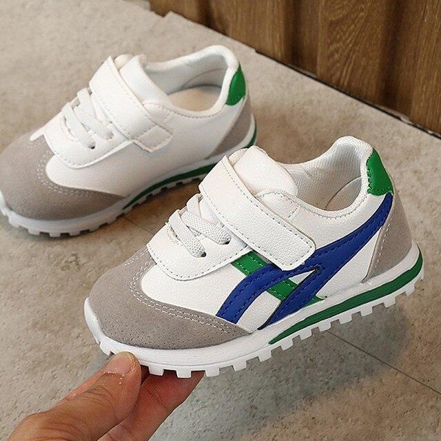 white tennis shoes boys