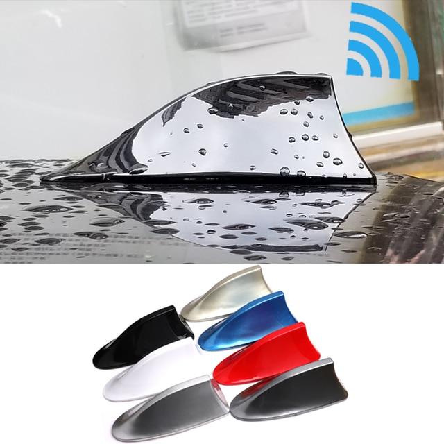 هوائي لراديو السيارة العالمي زعانف القرش هوائي لراديو السيارة تصميم إشارة FM هوائيات لتصفيف السيارة لجميع موديلات السيارات