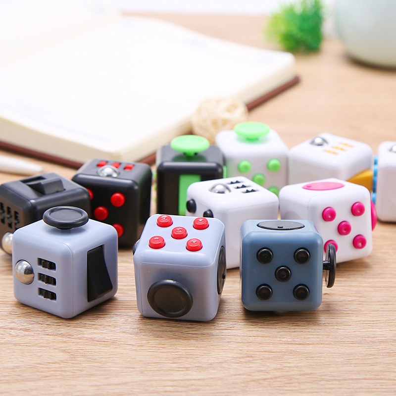 3.3*3.3cm Large Magic Cube Anxiolytic Stress Relief Toys Fun Decompression Cube Toy 17 Color Children Gift