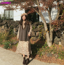 2019 autumn and winter new Korean women's fashion collar collar with lantern sleeves printed dress sleeveless sweater two-piece plum perkins collar long lantern sleeves sweater