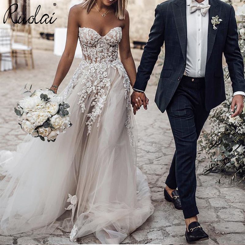 Elegant Boho Wedding Dress 2019 Trouwjurk A-Line Strapless Applique Court Train Beach Bride Gown Bridal Dresses Vestido De Noiva