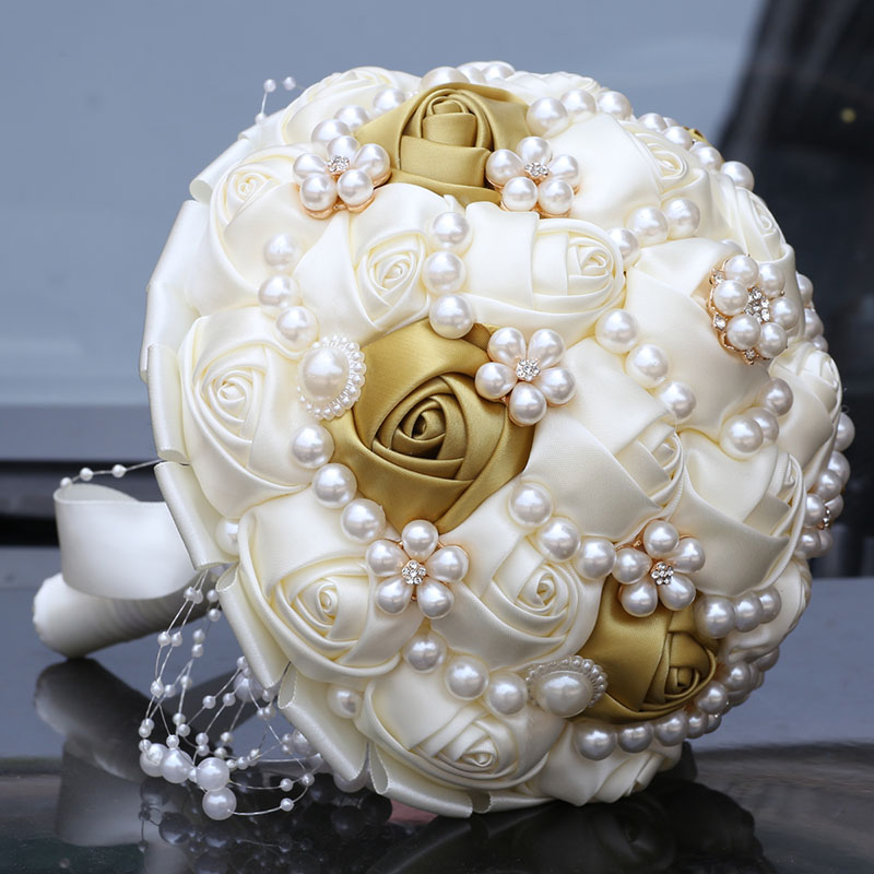 Simple Wedding Bouquets Pearls Crystal Bridal Bouquet Ivory Gold Beaded Bouquet Silk Satin Fleur Artificielle Buque Noiva W234B