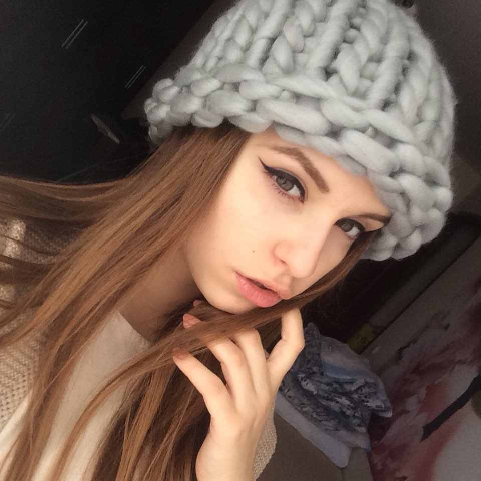 Women Winter Warm Hat Handmade Knitted Coarse Lines Cable Hats Knit Cap Beanie Crochet Caps Women Accessories