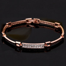 Hight Quality Luxury Crystal V Design Bracelet Letters Bangle  Arm Cuff Bangles Jewelry Bracelets For Women new luxury cuff design high qualtiy carter bracelets