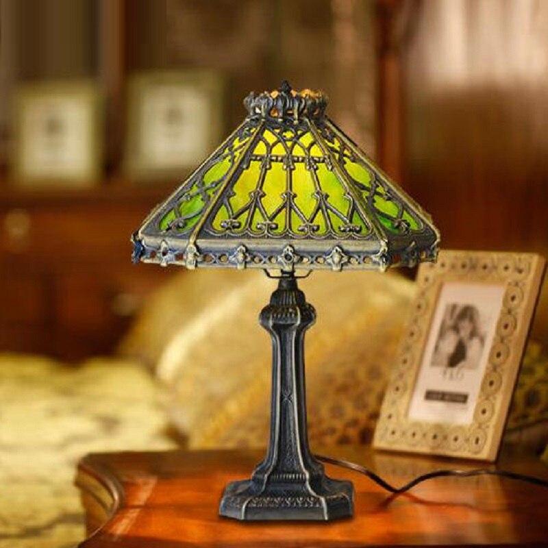FUMAT Tiffany Style vitrail lampe de Table LED lumière de bureau rétro pièces moulées percé classe décor à la maison lumières européennes Antique LED