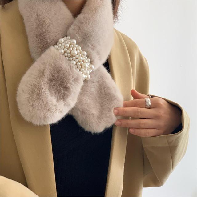 Winter Diamond Faux Fur Wrap Scarf 1