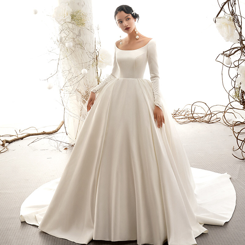 Long Sleeves Satin Wedding Dresses With Scoop Neckline 2020 Sweep Train Wedding Gowns Winter Fall Spring Bride Dress