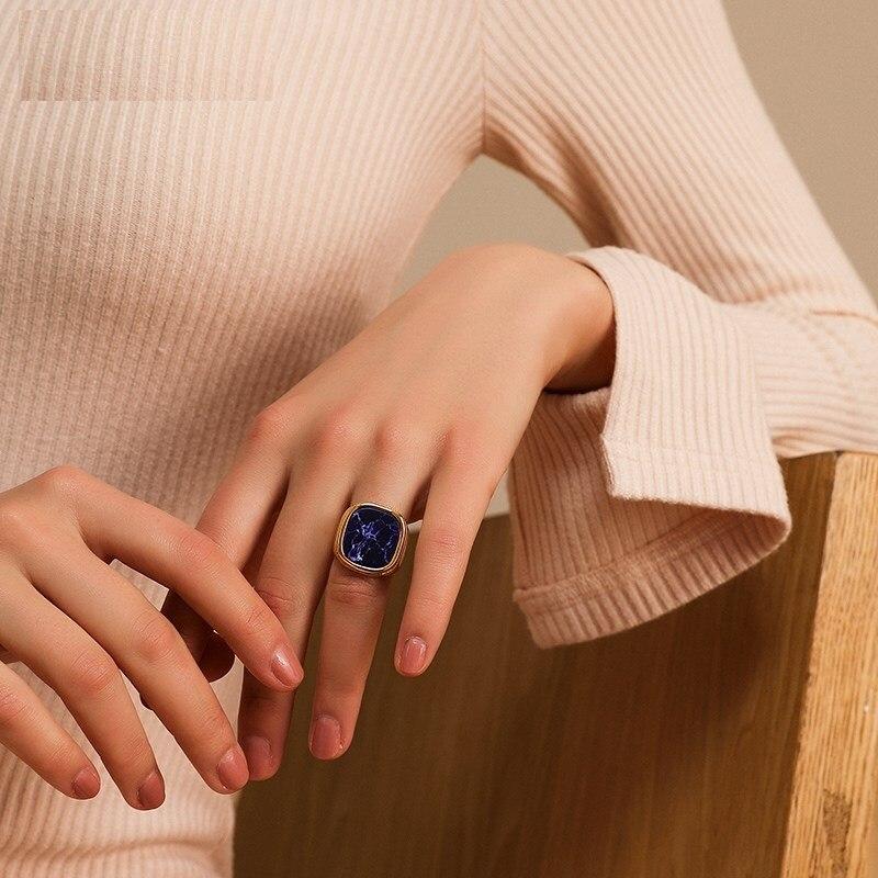 2021 Retro Geometric Irregular Natural Stone Spar Gold Metal Marble Ring Crystal Finger Rings For Women Girl Party Exotic Gift 2