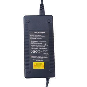 Image 2 - 67.2v 2a menor preço de alta qualidade carregador saída 67.2v 2a para 60 harley citycoco scooter elétrico carregador frete grátis