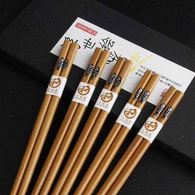 20 пар многоразовых палочек ручной работы из бамбука и натурального фотография