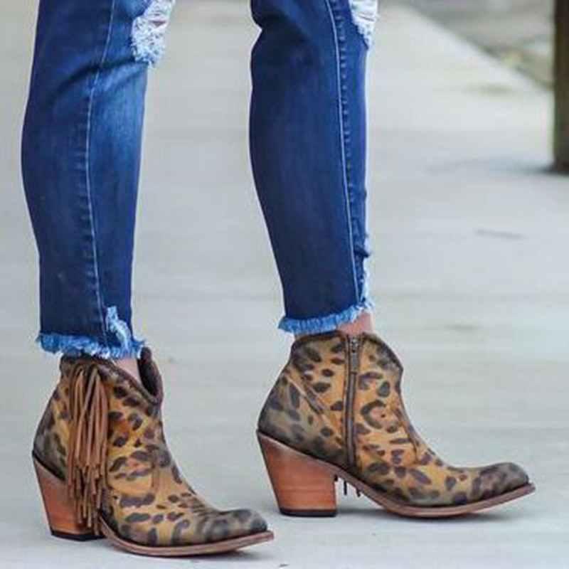 Kadın ayakkabı 2019 moda leopar baskı seksi sivri burun yarım çizmeler üzerinde kayma derin V yüksek topuk Martin çizmeler bayan ayakkabıları