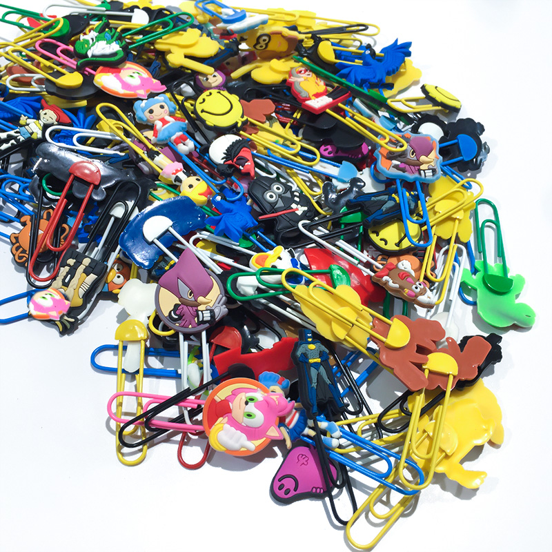 100pcs/lot Random Hot Cartoon Figures Bookmarks Paper Clips School Supplies DIY Decoration For Kids Party Gifts