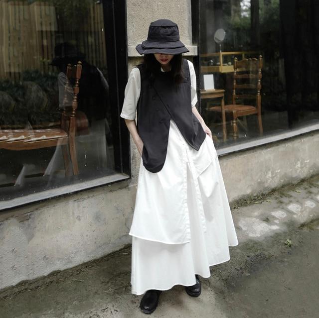 [EAM] Women Loose Fit Black Irreuglar Split Temperament Vest New Round Neck Sleeveless   Fashion Tide Spring Autumn 2021 1DB169 3