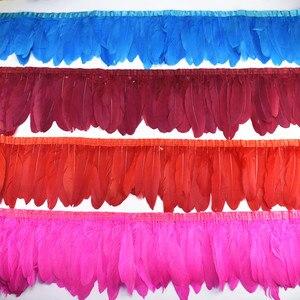 Image 1 - Sprzedaż hurtowa 10 metrów gęsie pióra wykończenia Fringe gęsi pióro wstążka czarne białe pióra dla rzemiosła ślub dekoracja z piór