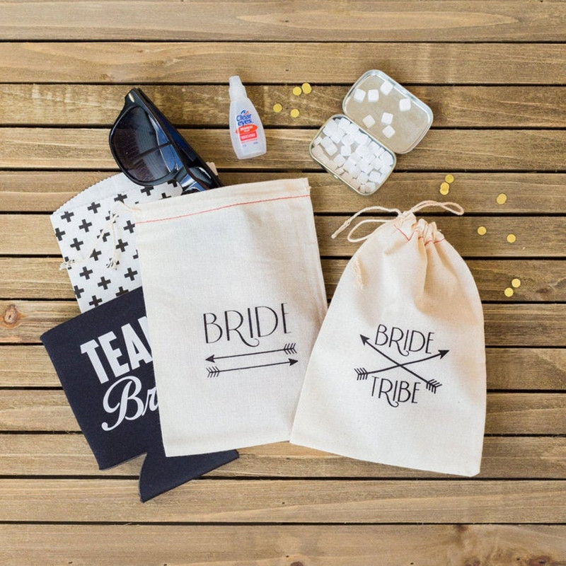 Personalised Bride Tribe Arrow Hangovers Bag Bridal Party Survival Kit Bags Wedding Muslin Gift Bag Glitter Bachelor Favor Bags