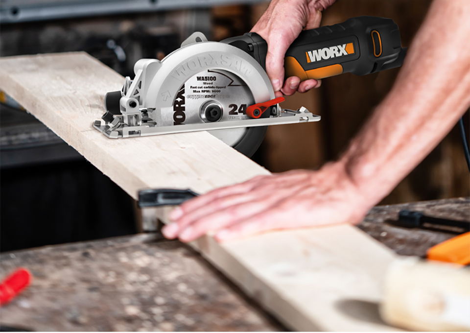 WORX SAW Wood Cutting