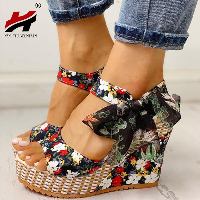 NAN JIU MOUNTAIN 2020 Women's Summer Wedge Sandals Fashionable Wild Roman Style Flowers Bow Fish Mouth Flat Sandals Plus Size