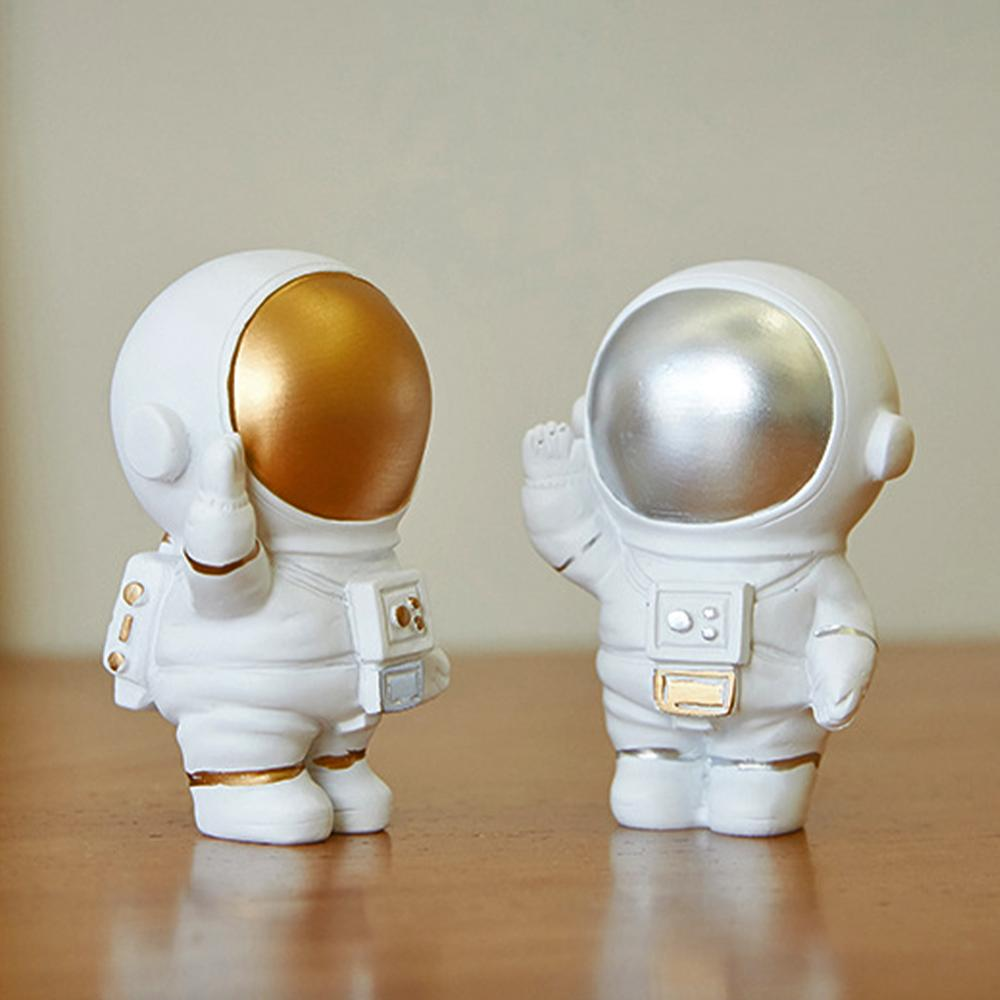 Astronaut Figurine Resin Desktop ornament Cake Topper Outer Space Themed Toys Decor Party Gifts for Boy Kids Home Decorations