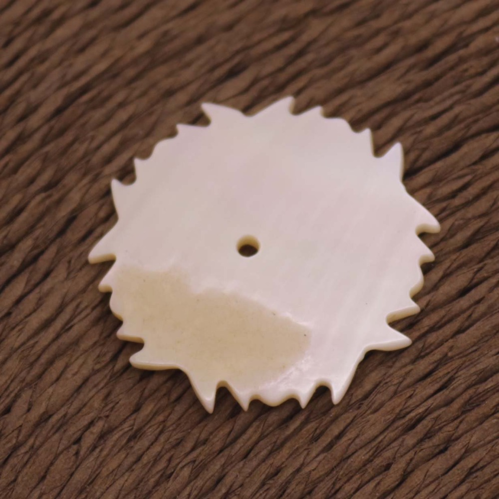 Купить с кэшбэком 10 PCS  Natural White Mother of Pearl 27mm Flower Shell Jewelry Making Have hole