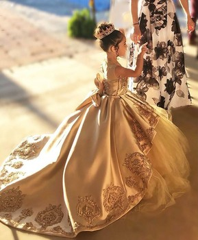 Gold First Communion Dresses Kids Evening Ball Gown Gold Applique Bow Long Girls Pageant Dress Lace Tulle Flower Girl Dresses tulle glitz pageant dresses long flower girls dresses for wedding gowns ball gown girls first communion mother daughter dresses