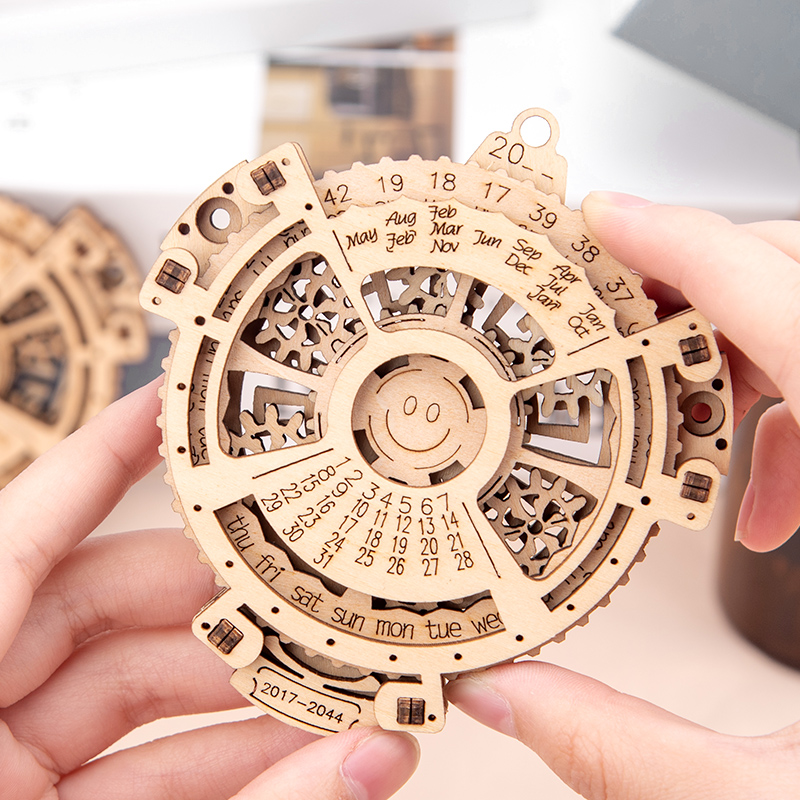 3D Puzzles Mini Unique Perpetual Calendar Wooden Mechanical Transmission Carving Laser Engraving 2017 To 2044 Calendar Creative