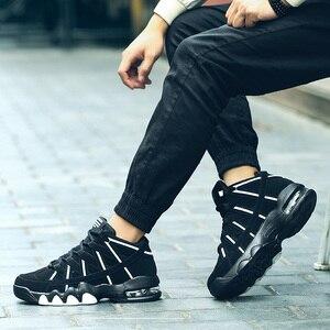 Image 2 - 2019 플러스 사이즈 39 45 남성 스니커즈 편안한 성인 디자이너 경량 패션 통기성 여름 트레이너 남성 신발