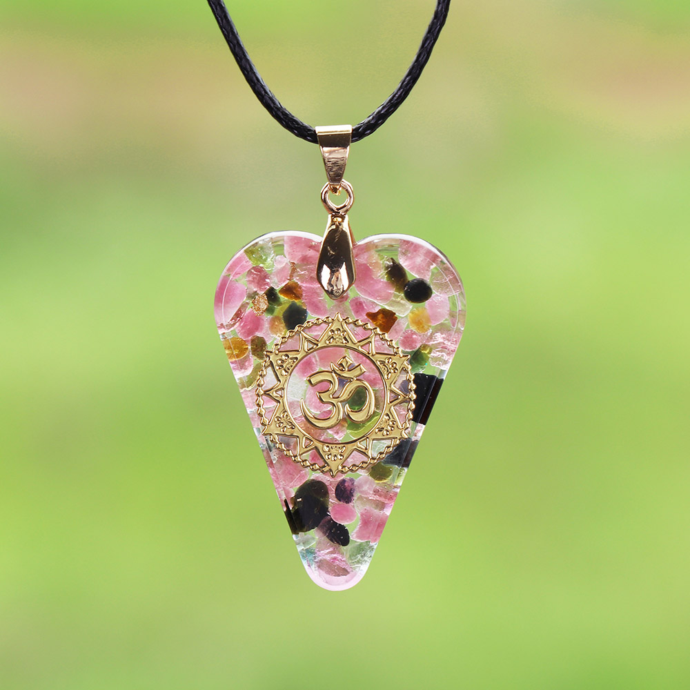 Orgonite Pendant pink Heart Pendant Necklace Healing Crystals Recruit Peach Blossom to Promote Marriage