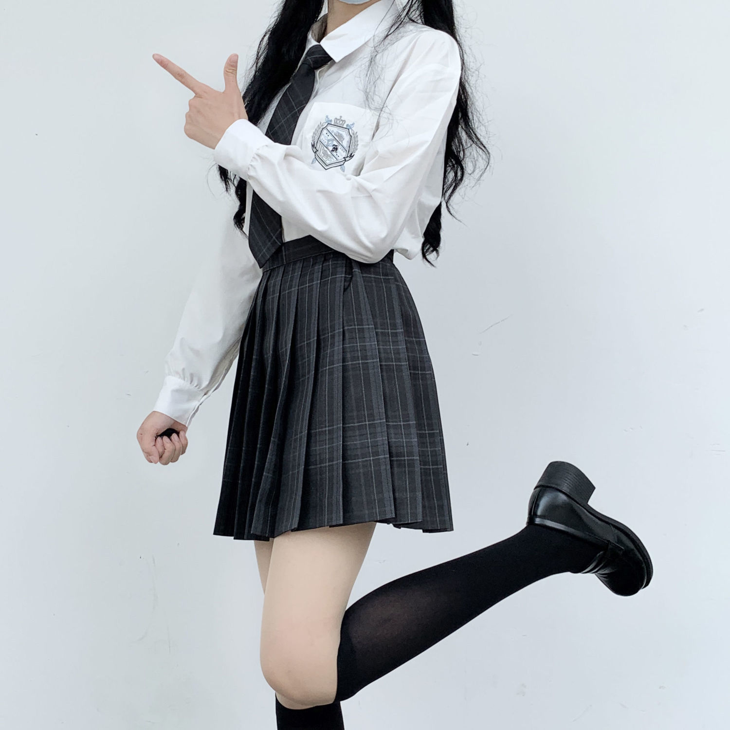 New 2021 Japanese Uniforms Jk Shirts Spring Autumn Preppy School Girls Long Sleeve Embroidered Loose Shirts And Blouses Send Tie
