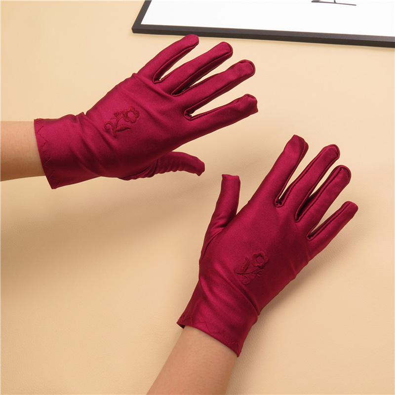 Flowers Protection Glove Women Embroider Sexy Satin Wrist Short Gloves Thin Lady Gloves Mittens Wrist Glove High Quality