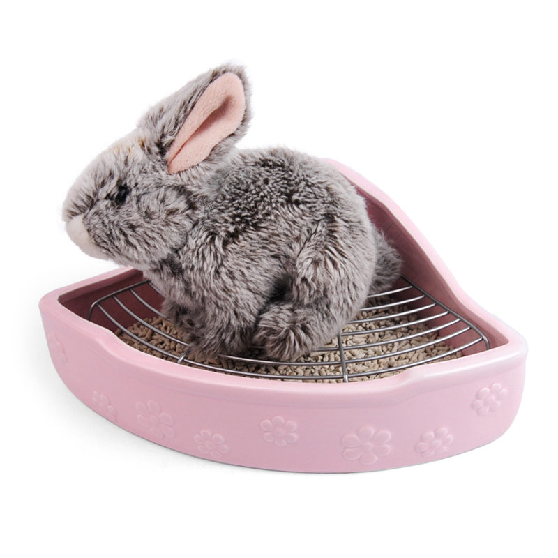 Pet toilet rabbit ceramic triangle toilet easy to clean anti-overturn anti-bite Totoro ceramic toilet